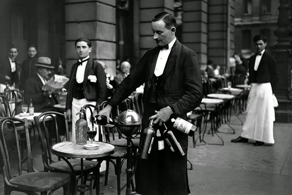Black and white; retro; vintage; Paris